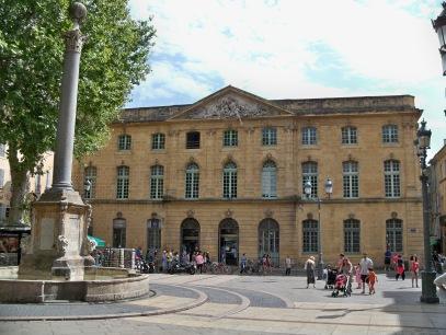 Halle_aux_Grains_(Aix_en_Provence)